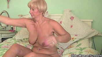 hairy granny british puussy asshole and masturbatio Gostosa de suplex no mercado 03 mov