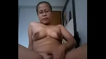 sex www indonesia abg Dirty slut gets his hard dick in her mouth to suck on