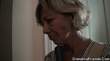 gangbang granny and Moms in linderir
