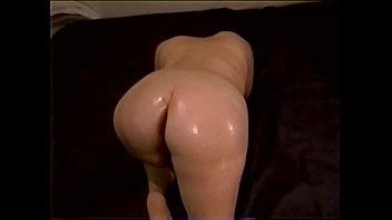 treppenhaus wieder im Two amateur beauties blowing one cock