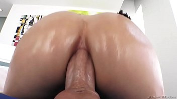 riding while dick shemale flopping Yemen young wife